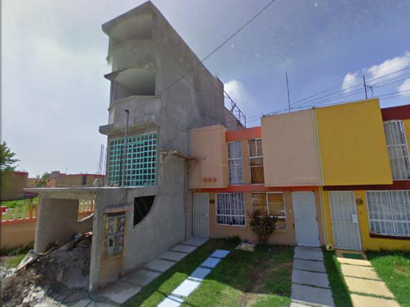 Mexico narrow houses